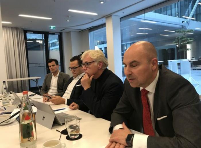 Von links JDC-Vorstand Stefan Bachmann, Dr. Sebastian Grabmaier, Pressesprecher Johannes Scherer und Vorstand Oliver Lang